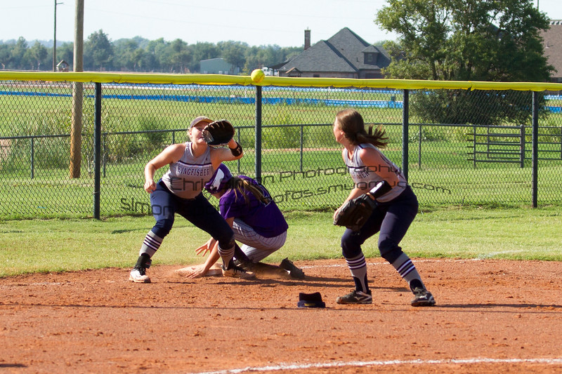 2017 KHS SOFTBALL VS ANADARKO-12