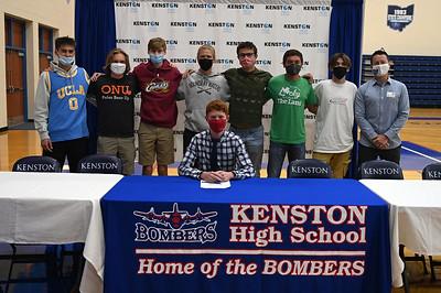 college_signing_7045