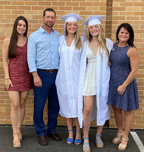 2021 Legacy Family - Koenig, Jordan and Madison (full 2)