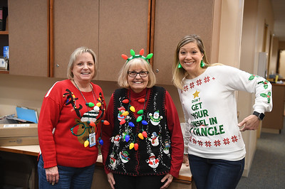 ugly_sweater_day_9052