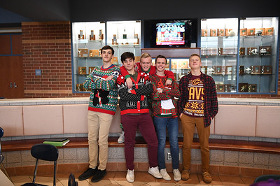ugly_sweater_day_9080