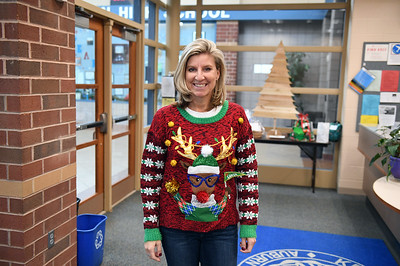 ugly_sweater_day_9055