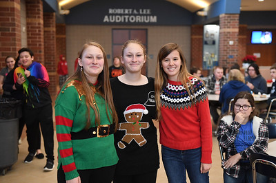ugly_sweater_day_9097