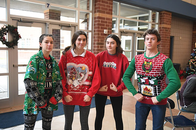 ugly_sweater_day_9154