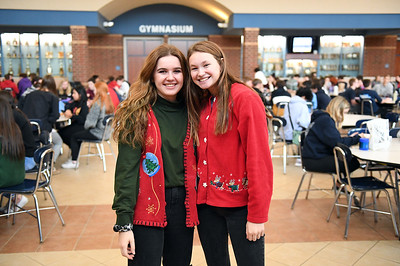 ugly_sweater_day_9058