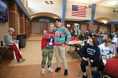 ugly_sweater_day_9061
