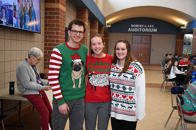 ugly_sweater_day_9065