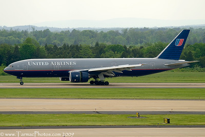 UnitedAirlinesBoeing777222N211UA_26