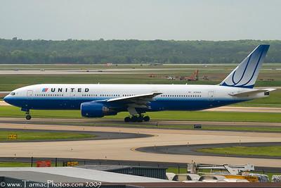 UnitedAirlinesBoeing777222N768UA_30