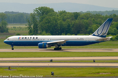UnitedAirlinesBoeing767322N648UA_15