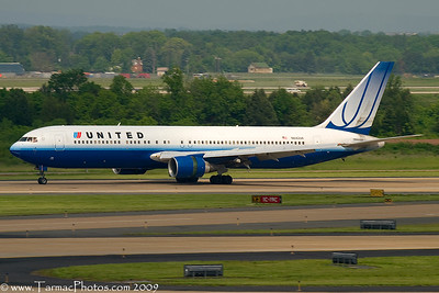 UnitedAirlinesBoeing767322N642UA_23