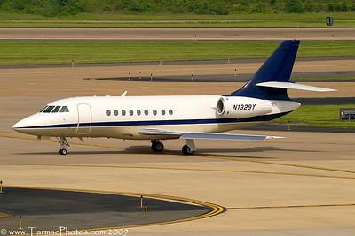 DassaultFalcon2000N1929Y_103