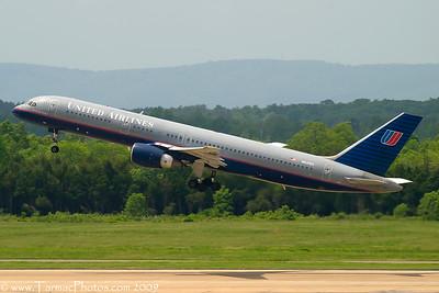 UnitedAirlinesBoeing757222N541UA_33