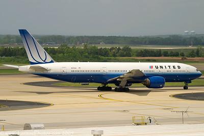UnitedAirlinesBoeing777222N219UA_10
