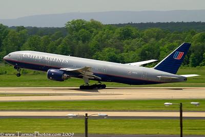 UnitedAirlinesBoeing777222N787UA_7