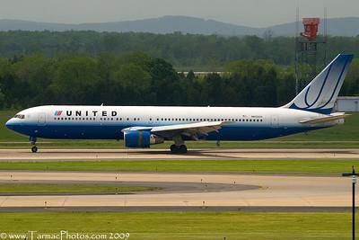 UnitedAirlinesBoeing767322N652UA_32