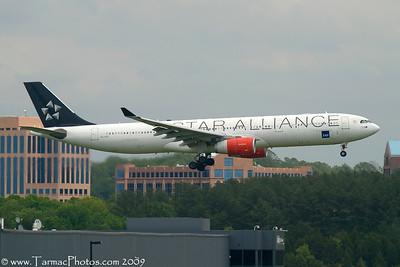 SASScandinavianAirlinesAirbusA330343XSEREF_29