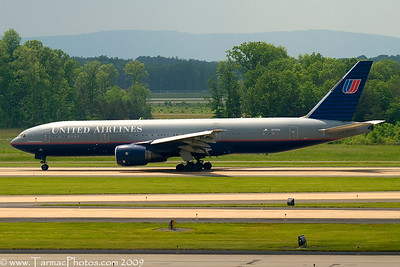 UnitedAirlinesBoeing777222N779UA_12