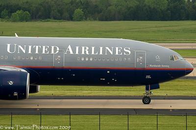 UnitedAirlinesBoeing777222N787UA_6