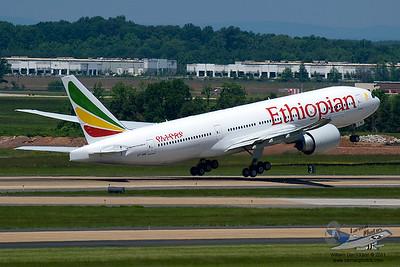 EthiopianAirlinesBoeing777260LRETANQ_18