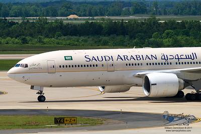 SaudiArabianAirlinesBoeing777268ERHZAKC_10