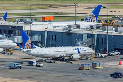 United Airlines Boeing 737-824 N73251 7-11-18