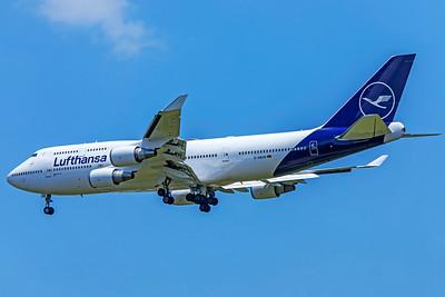 Lufthansa Boeing 747-430 D-ABVM 7-11-18