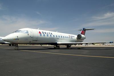 Endeavor Air Bombardier CL-600-2B19 N830AY 8-19-15