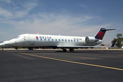 Endeavor Air Bombardier CL-600-2B19 N8718E 8-19-15