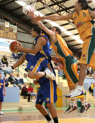 """Winner of the 2006 NSW Basketball """"Best Action Photography Media Award"""""""