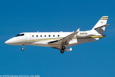 GulfstreamG200N32TM_18