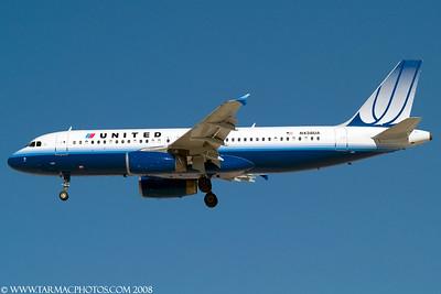 UnitedAirlinesAirbusA320232N438UA_104