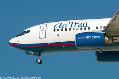 AirTranAirwaysBoeing7377BDN338AT_10