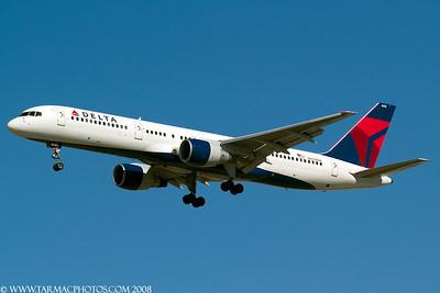 DeltaAirlinesBoeing757232N608DA_41