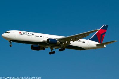 DeltaAirlinesBoeing767332N128DL_44