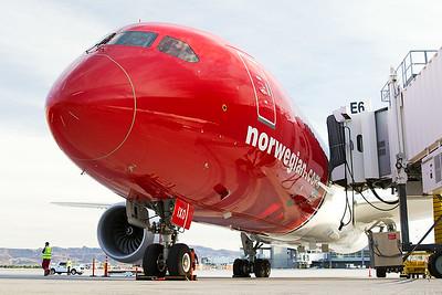 Norwegian Boeing 787-9 G-CIXO 10-31-16 8