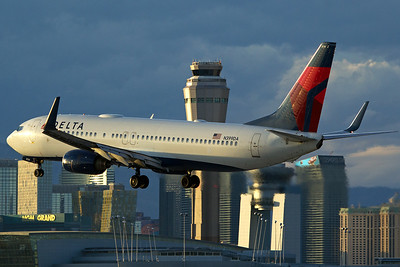 Delta Air Lines Boeing 737-832 N399DA 10-29-16