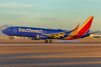 Southwest Airlines Boeing 737-8H4 N8524Z 11-25-17