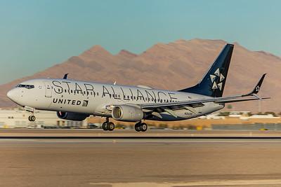 United Airlines Boeing 737-824 N26210 12-28-17
