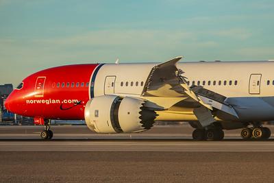 Norwegian Boeing 787-8 LN-LNC 11-25-17 2