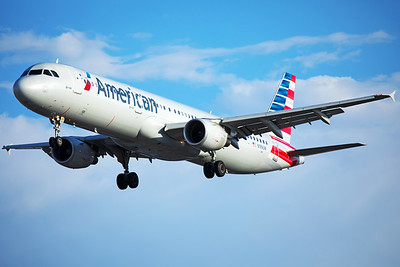 American Airlines Airbus A321-211 N199UW 6-24-17