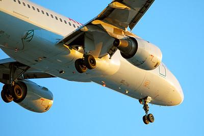 Air Canada Airbus A320-211 C-FFWJ 6-22-17 2