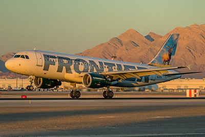 Frontier Airlines Airbus A320-214 N213FR 11-25-17