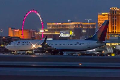 Delta Airlines Boeing 737-932(ER) N815DN 11-25-17