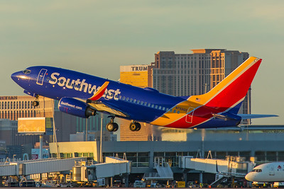 Southwest Airlines Boeing 737-7H4 N759GS 11-25-17