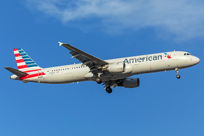 American Airlines Airbus A321-211 N186US 7-16-17