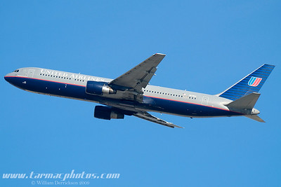 UnitedAirlinesBoeing767322N675UA_9
