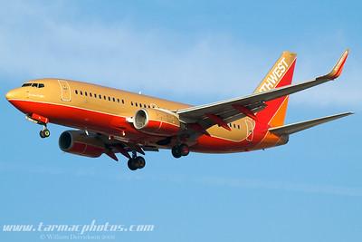 SouthwestAirlinesBoeing7377H4N711HK_26