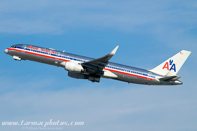 AmericanAirlinesBoeing757223N688AA_5