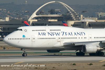 AirNewZelandBoeing747475ZKSUH_4